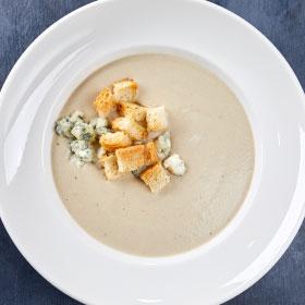Суп-крем из шампиньонов с сыром с голубой плесенью