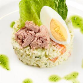 Салат с тунцом(ЕЖЕДНЕВНО)