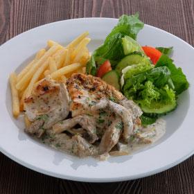 Куриное филе с вешенками и картофелем фри